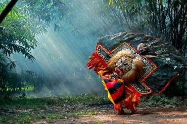 34 Tarian Daerah di Provinsi Indonesia, Asal Daerah + Gambar Lengkap!