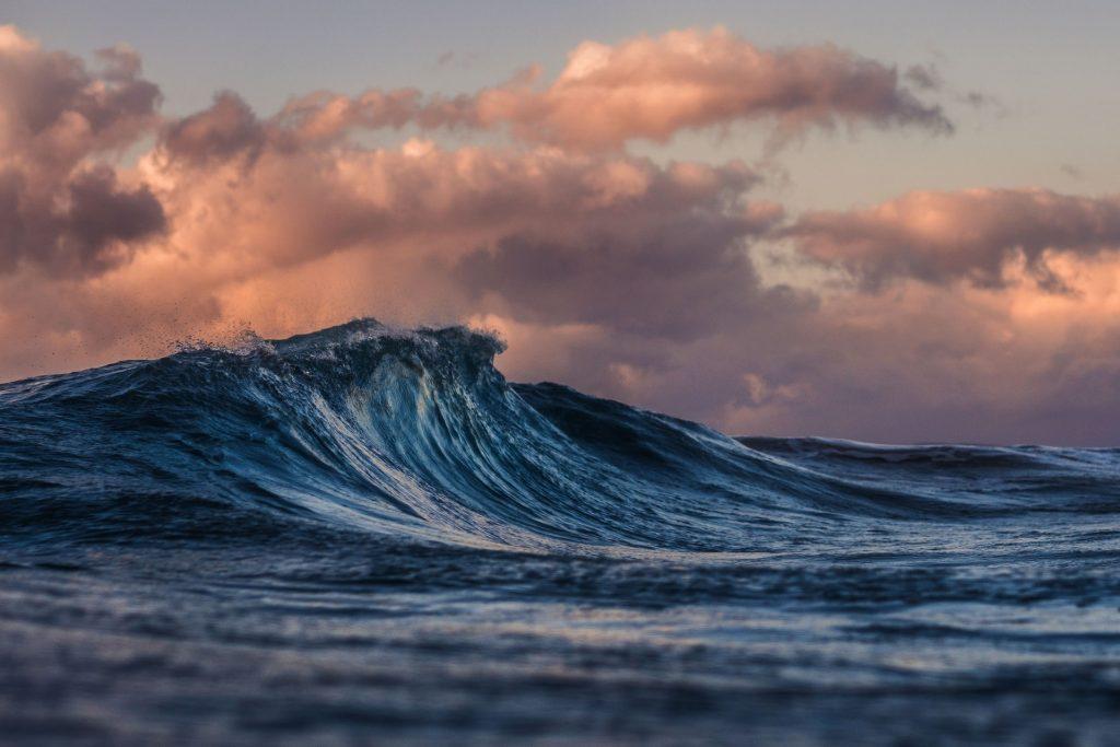 Contoh Teks Eksplanasi Tsunami - Eva
